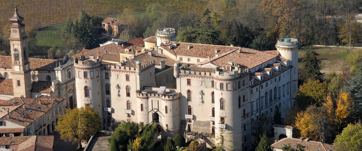 """Il castello di Costigliole d'Asti accoglie la sesta edizione di """"Scatti d'Autore""""."""