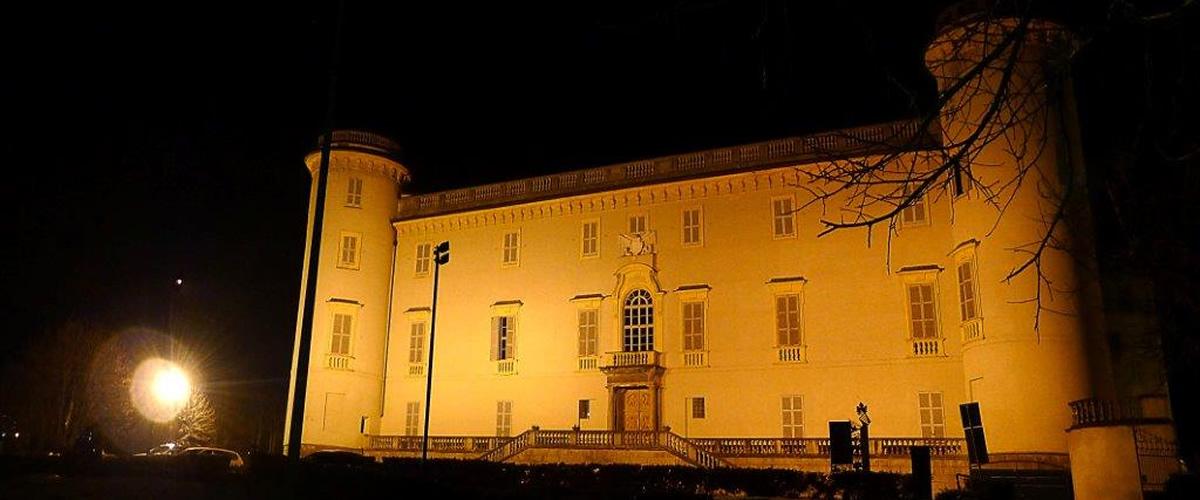Il castello di Costigliole d'Asti si anima con gli spettacoli dei laboratori teatrali.